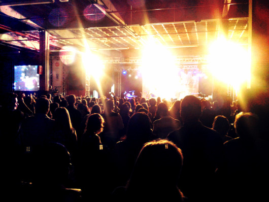 Look In Concert: Zizi Possi