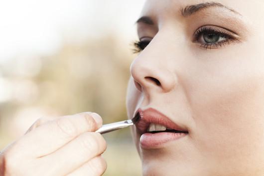 summer-makeup-tips-12-lips01