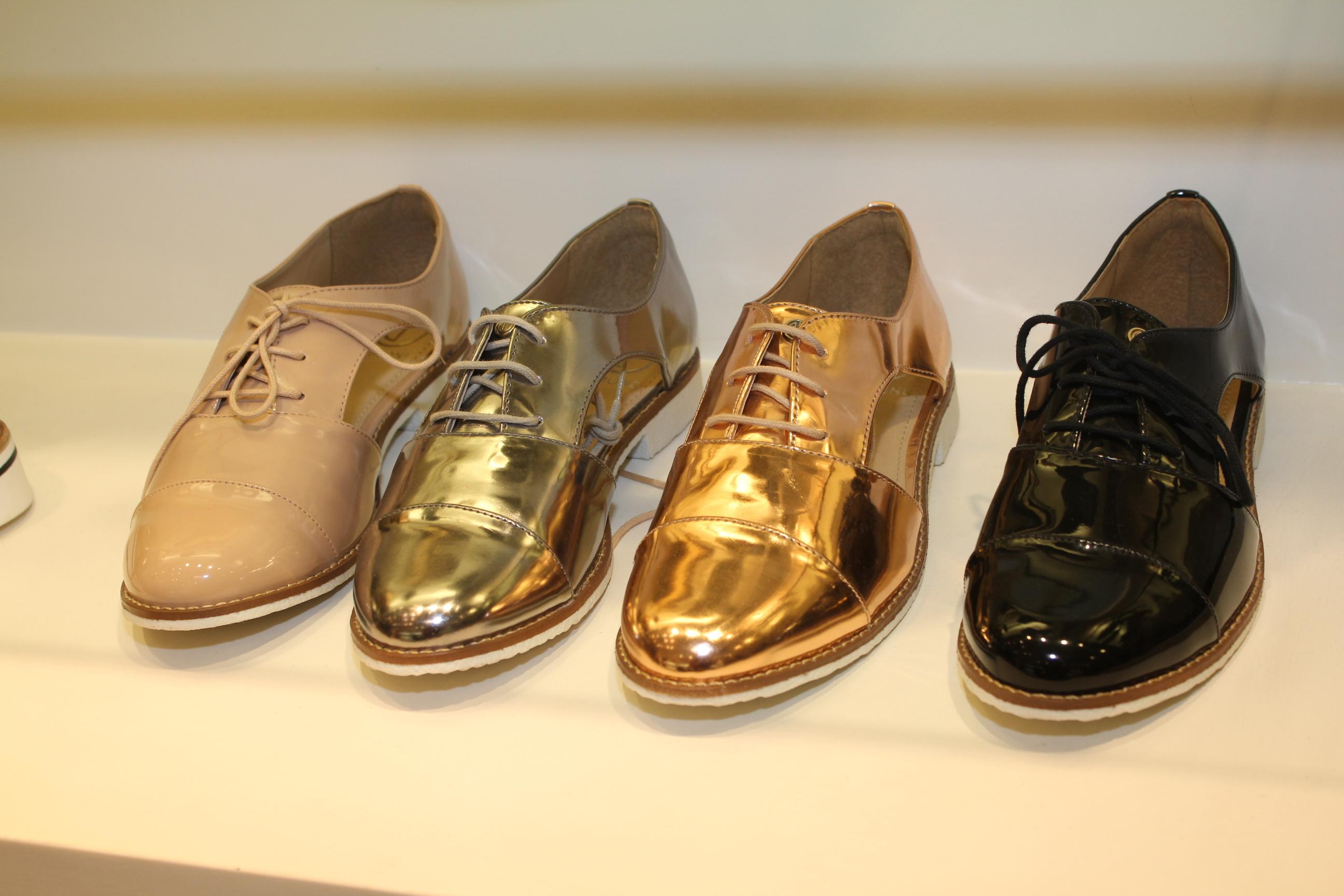 602903072 Aliás, ao que tudo indica, os sapatos metalizados que voltaram no verão e  seguem com força total no inverno e a Dumond está repleta de boas opções  pra você ...