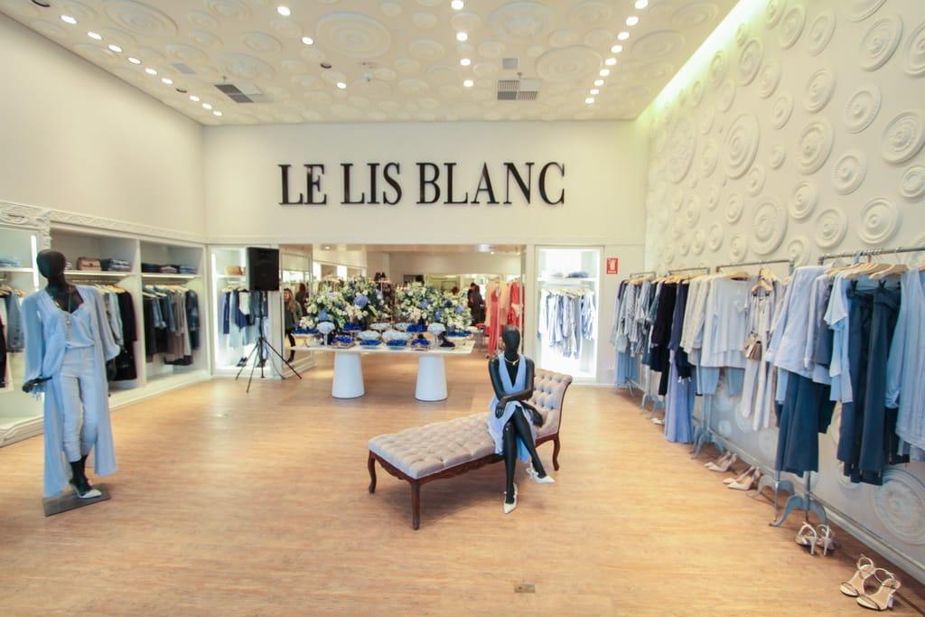 aca4870d7 E nada mais cool do que montar o look com as peças da nova coleção da Le  Lis Blanc