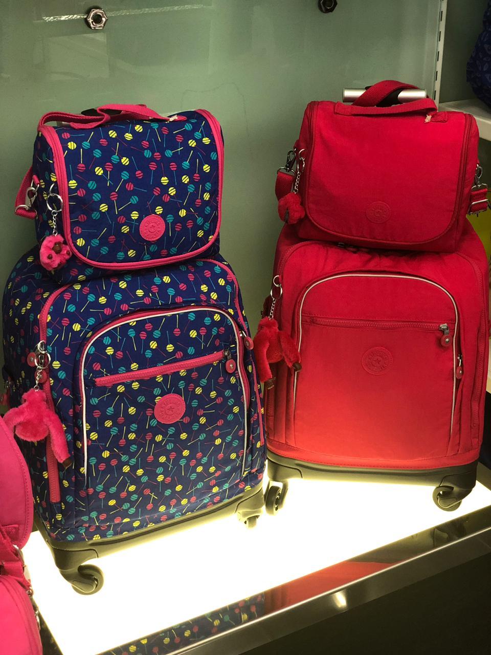 e58a0a1f8 Na Imaginarium (piso 1) tem de tudo: mochila, caderno e todos os itens de  desejo de estudantes, crianças e todos os outros que visitam a loja.