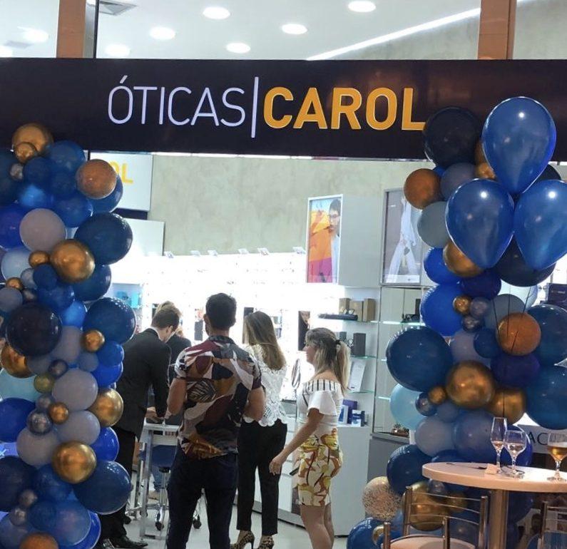 1 ano de Óticas Carol