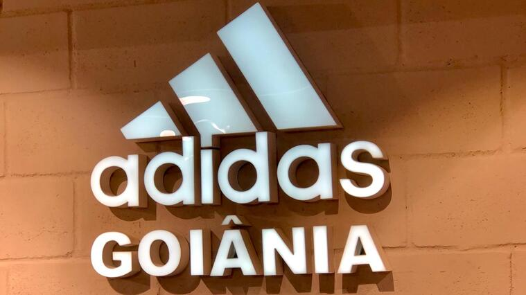Conheça a Adidas, a nova loja performance do Flamboyant Shopping
